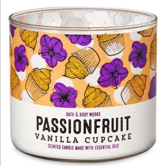 Bath & Body Passionfruit Vanilla Cupcake Candle